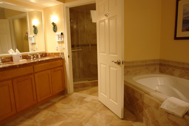 Marriott-Newport-Villas-WC