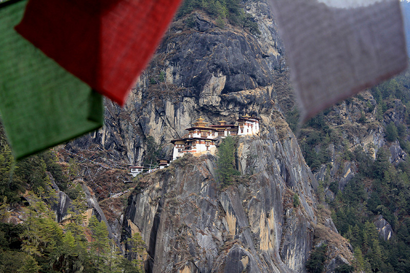 http://www.rollingrains.com/travelogues/graphics/Monastery.jpg